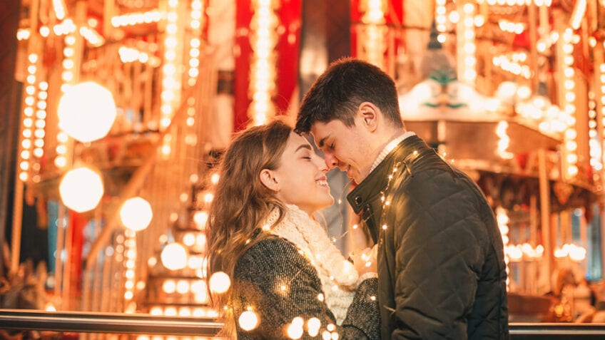 Best Christmas Romance Movies - featured
